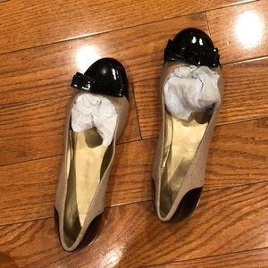 NWOT Circa Joan &David black cap toe with bow flat
